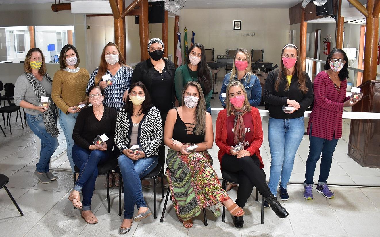 Dia das Mães: servidoras da Câmara são homenageadas