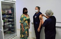 Presidente da Câmara prestigia a Campanha de Vacinação contra a Covid-19