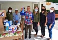 """Servidores do Legislativo Municipal entregam donativos ao abrigo """"Sou Feliz"""", em Marechal Floriano"""