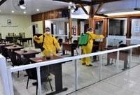 Vigilância em Saúde realiza desinfecção dos ambientes internos e externos da Câmara